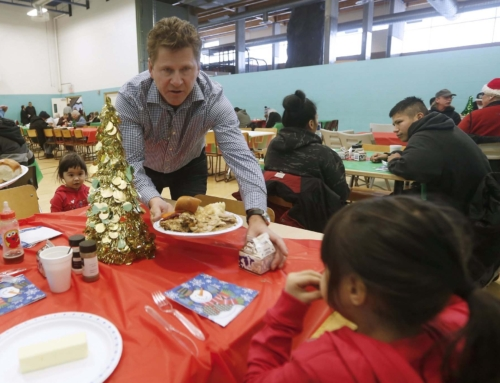 Local North Enders share holiday spirit, meal